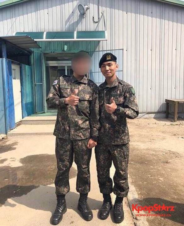 BigBang大成新兵结业:和战友的军装合影帅气满分