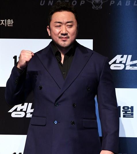 马东锡当选今年最活跃电影演员 河正宇李秉宪紧随其后