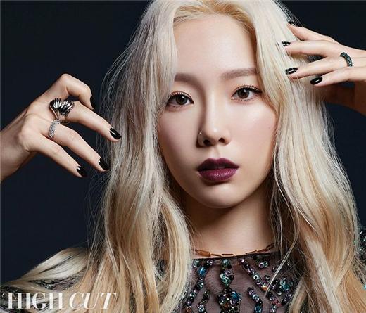 少女时代泰妍最新画报公开 表达了对成员们的爱意