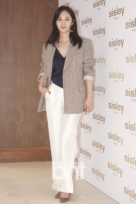 少女时代权俞利(Yuri)、李素妍、高佑丽等出席首尔新罗酒店某品牌活动