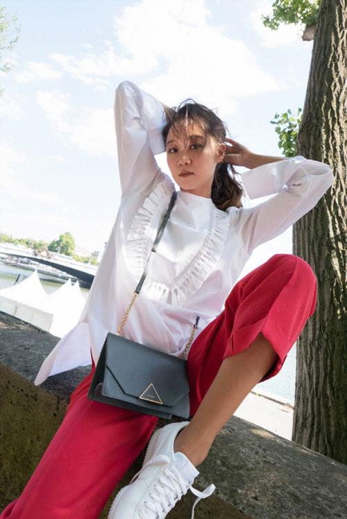 孔晓振(孔孝真)公开在巴黎拍摄写真 完美地消化多种潮流装扮