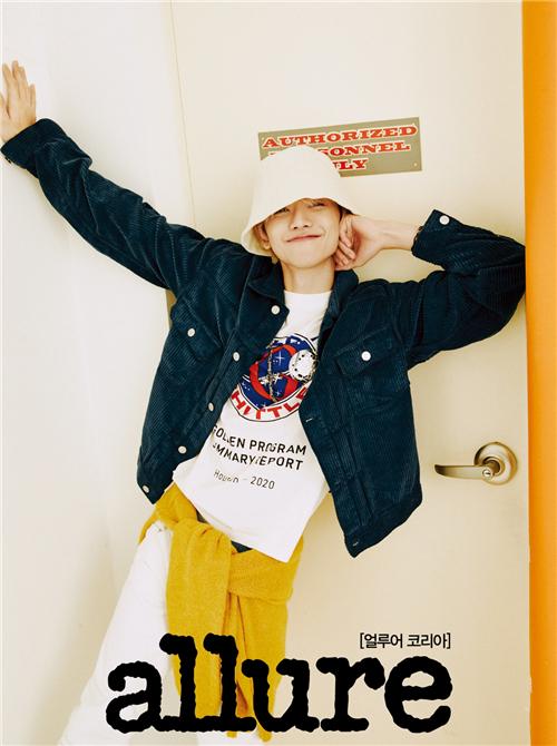 NCT DREAM渽民最新画报公开 完美变身少年摄影师