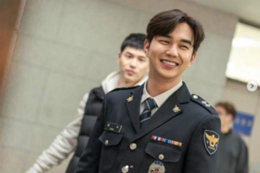 俞承豪SNS回应变胖恶评 为了警察角色故意增肥